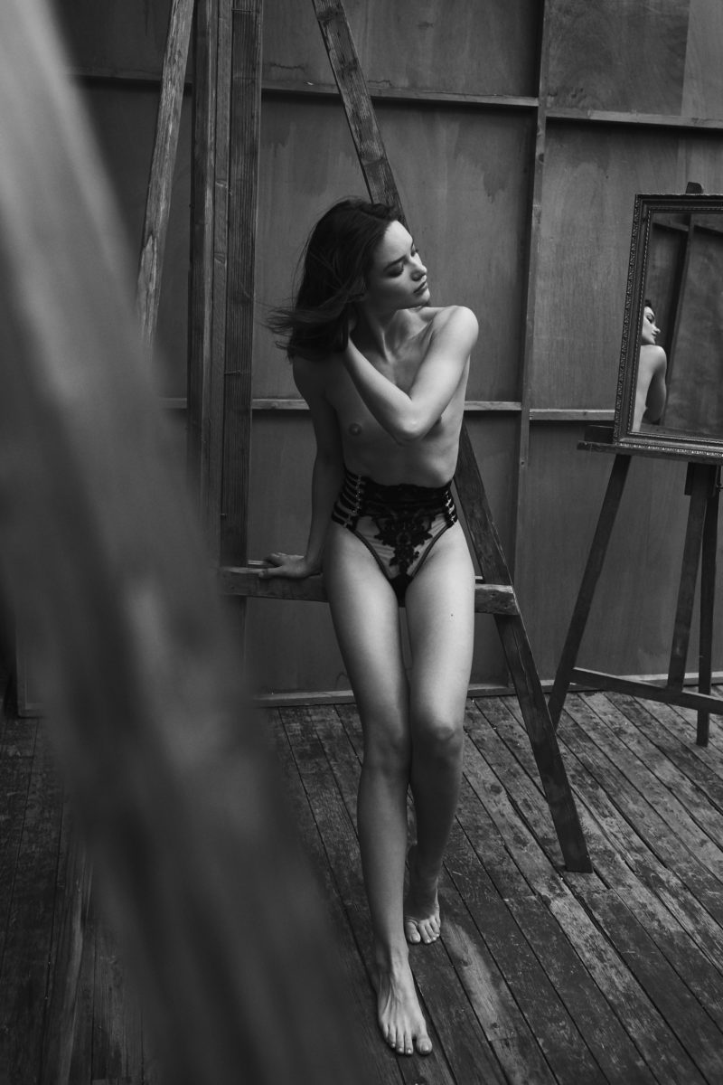 girl in lingerie in atelier shot by stefan rappo