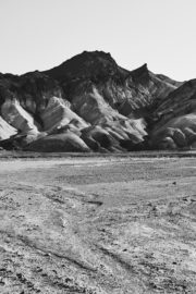 Thumbnail naked girl in death valley shot by stefan rappo