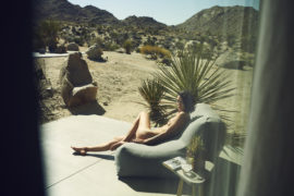 Thumbnail girl in desert house