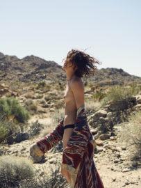 Thumbnail girl in desert