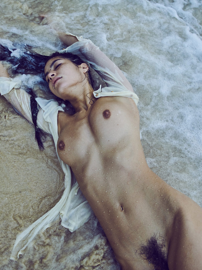 girl naked on the beach